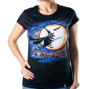 "Tricou pictat ""ARE WITCHES REAL?"""